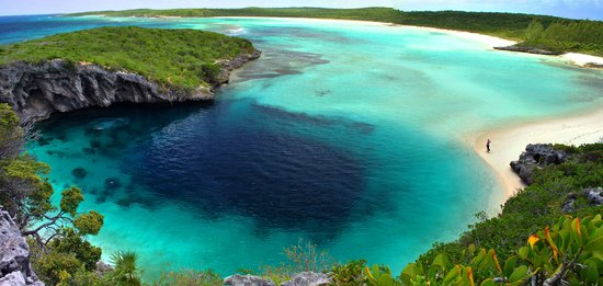Dean's Blue Hole: Great view from the cliff