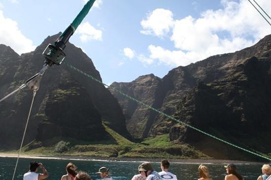 beautiful Napali coast and Kauai Sea Tours takes you up close and personal on the Lucky Lady