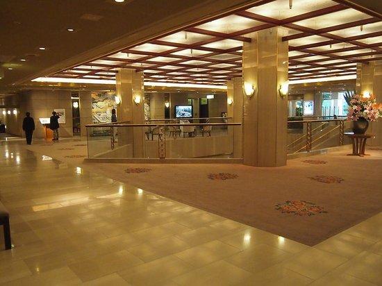 ANA Crowne Plaza Kyoto: エントランス