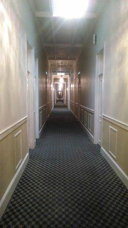 Hotel Melia Ponce : Pasillo de las habitaciones Remodeladas (#112, 113 etc)
