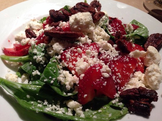 Spinach Salad With Strawberries, Candied Pecans, Feta, And ...