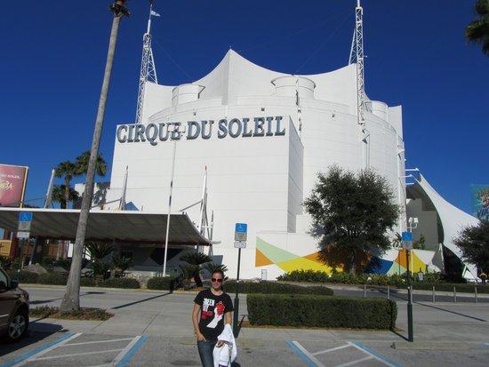 La Nouba - Cirque du Soleil: Delicadeza