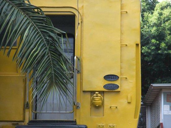 Hua Hin Railway Station: 日本製の保存車両