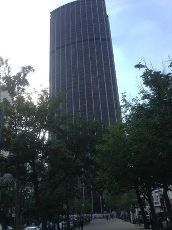 Hôtel Apollinaire : Montparnasse Tower