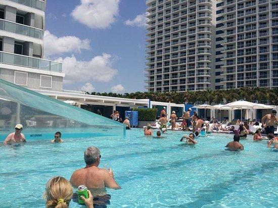 W Fort Lauderdale: pool
