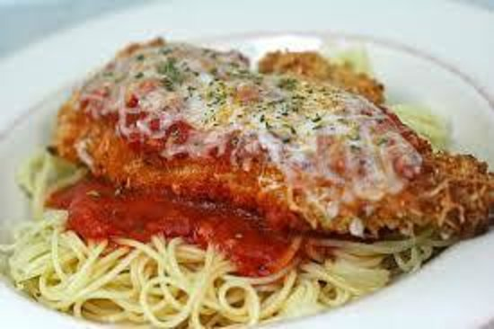 D & B's Bar & Restaurant: chicken Parmesan  meal