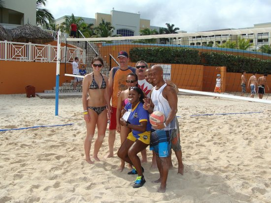 Iberostar Rose Hall Beach Hotel : Volleyball fanatics