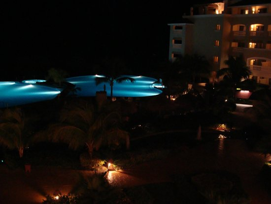 Iberostar Rose Hall Beach Hotel : Main pool area at night