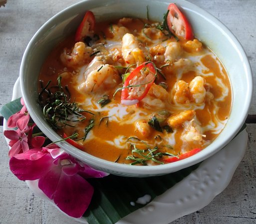 Blue Lagoon Cooking School: Red Prawn Curry