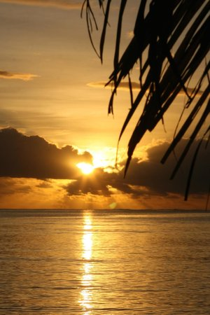 Blue Lagoon Beach Resort : Another sunset