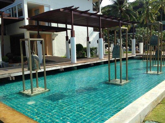 Katathani Phuket Beach Resort: Vista piscina