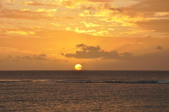 Pearle Beach Resort & Spa : Another sunset
