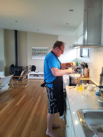 Snellings View: Snellings kitchen prep