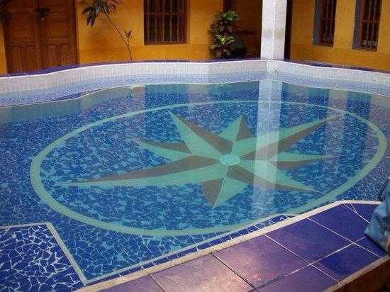 La Brisa Loca Hostel : Swimming pool