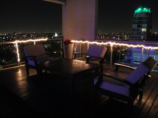 Hollywood Suites & Lofts: Cobertura decorada para festa