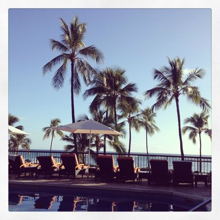 Hilton Hawaiian Village Waikiki Beach Resort: 快適なアリー専用プール。