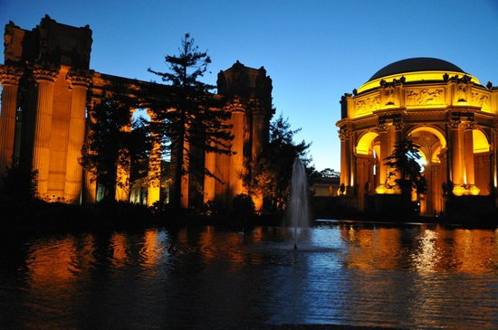 Palace of Fine Arts Theatre: Palace of Fine Art with lagoon in front