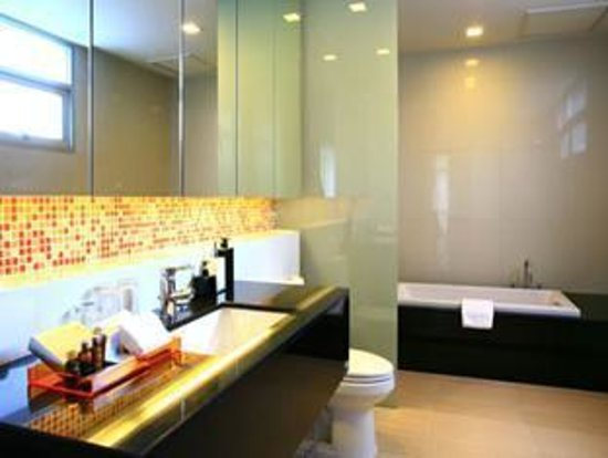 The Park 9, A Living Serviced Residence: Bathroom