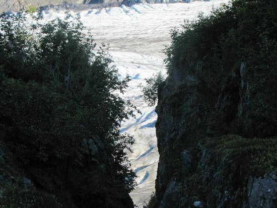 Harding Ice Field Trail: A narrow angle.