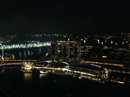 Gallery & Bar at 1-Altitude: Marina Bay