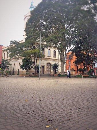 Tatui, SP: Praça da matriz