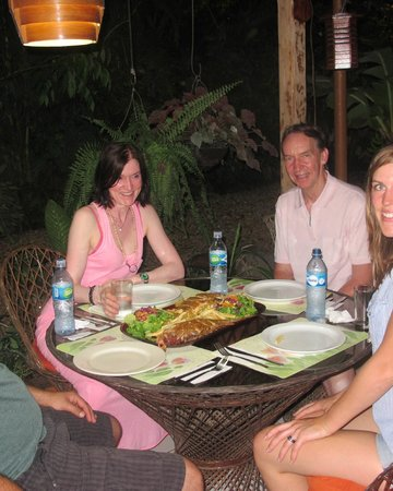 Cabinas Cristina Playa Tambor: a great dinner in our rest