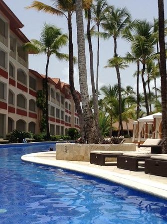 Majestic Colonial Punta Cana: view of the colonial club room and private pool