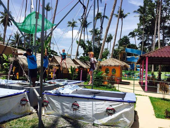 Coco Splash Adventure & WaterPark: Bungee Trampoline