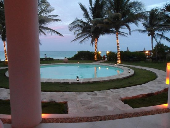 Pavo Real by the Sea: view from patio before dark