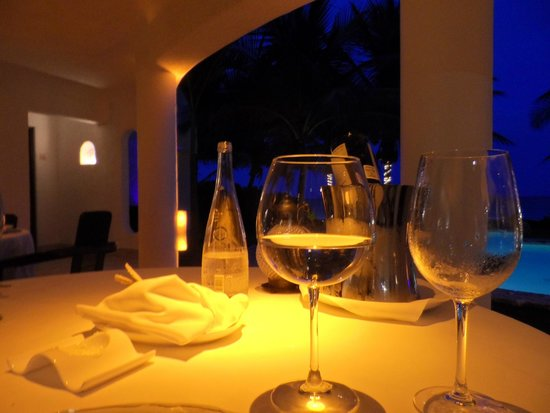 Pavo Real by the Sea: dinner on the patio