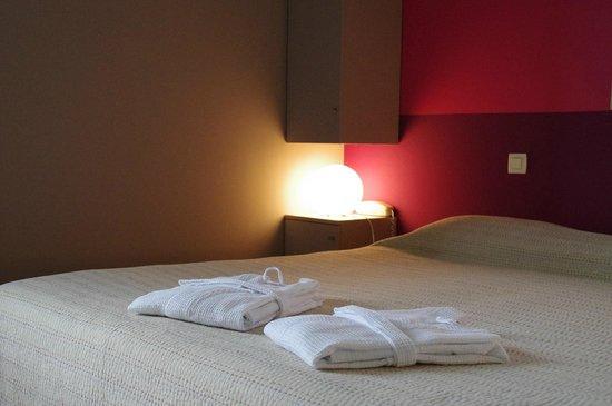 Hotel La Bastide d'Iris : Chambre Rose de Noël