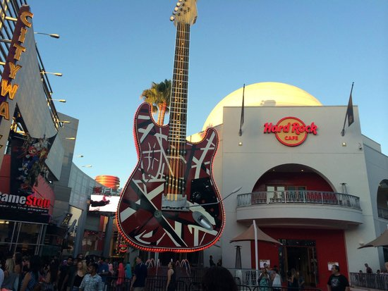 Hard Rock Cafe Hollywood at Universal CityWalk : Hard Rock Cafe exterior