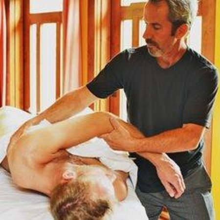 Ojai Massage: Using the body for leverage in a structural massage