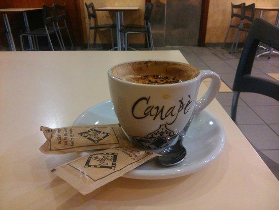 Canape : Чашечка бодрящего кофе