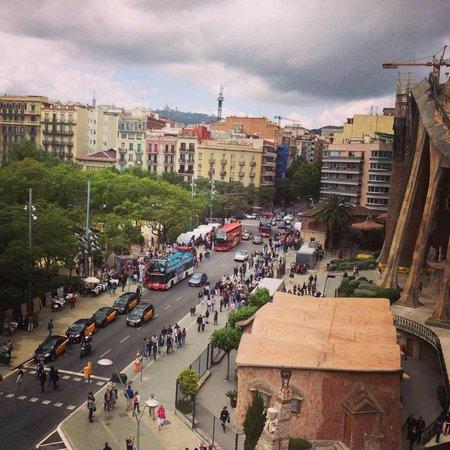 """Barcelona Bus Turistic: остановка автобуса """"Саграда Фамилия"""""""