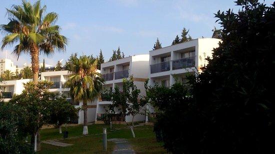 Horus Paradise Luxury Resort: Мы жили в этом доме на 3 этаже.