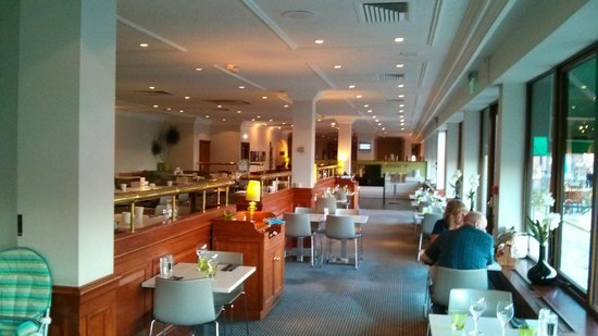 Restuarant at the Marina Holiday Inn Hull
