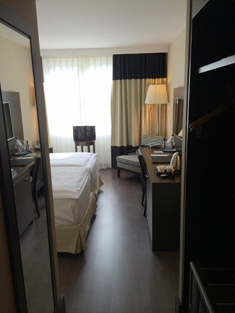 NH Frankfurt Airport: standard double room