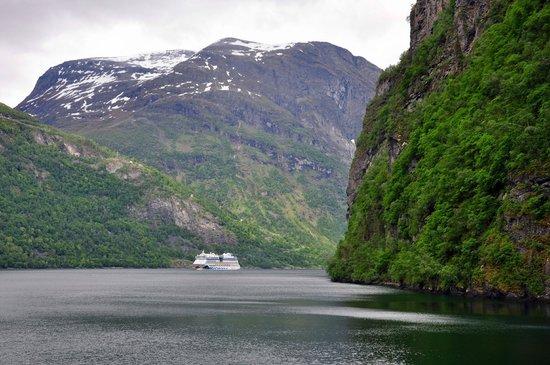 Geiranger Fjord : Масштаб величия природы