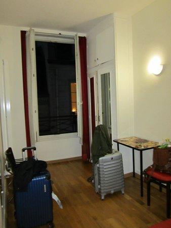 Tiquetonne: room