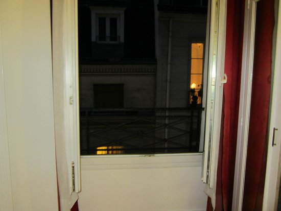 Tiquetonne : window-double doors