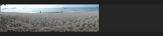 Centara Grand Beach Resort Samui: At the beach