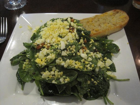 Stacy's Covered Bridge Restaurant: Spinach Salad