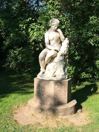 Pawlowsk-Palast und Parkanlage: Красота