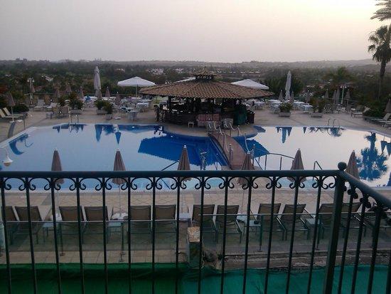 Vital Suites Hotel & Spa: La piscina de día