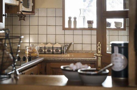 Montagnettes, Le Chalet du Vallon: Espace cuisine
