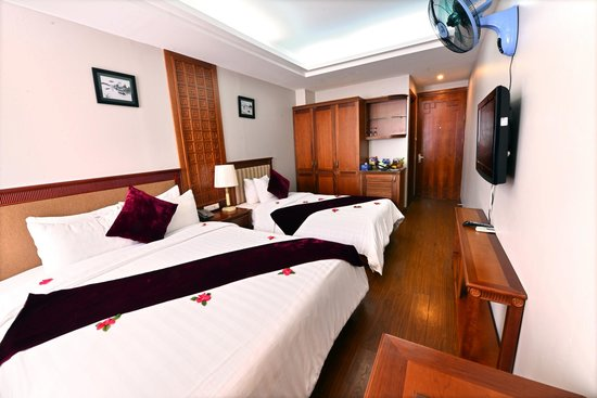 Golden Legend Hotel: twin room