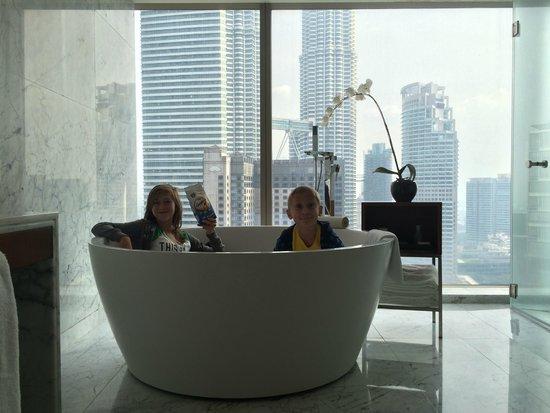 Grand Hyatt Kuala Lumpur: Large tub in bathroom of suite 2704.
