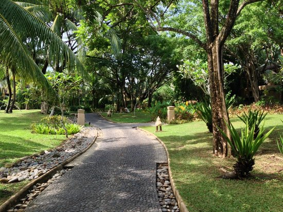 Four Seasons Resort Langkawi, Malaysia: Resort grounds