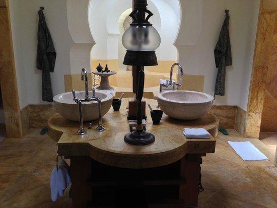 Four Seasons Resort Langkawi, Malaysia: Upper Melaleuca Pavilion - Bathroom